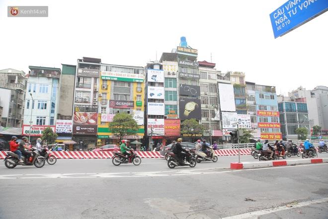 Ảnh: Cận cảnh những ngôi nhà siêu mỏng, siêu nhỏ ở đường Trường Chinh - ảnh 2
