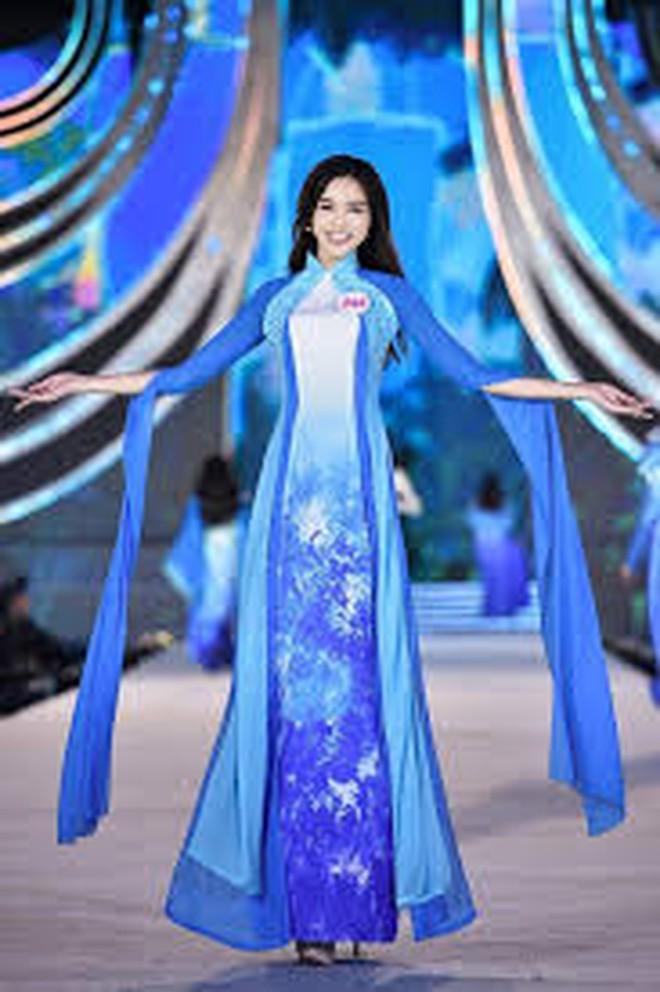 Trước khi đăng quang, Hoa hậu Việt Nam Đỗ Thị Hà mô tả về mình: Cuộc đời tôi là một câu chuyện buồn - ảnh 5