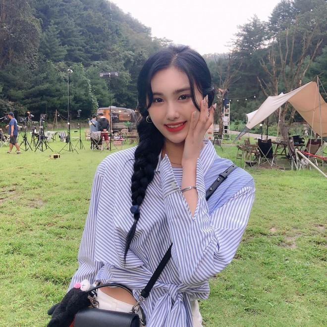 1001 gợi ý tóc tết của idol Hàn, toàn kiểu đơn giản mà lại nâng điểm phong cách ra phết! - ảnh 13