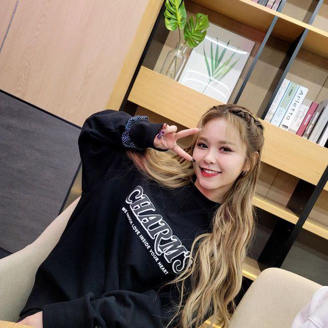 1001 gợi ý tóc tết của idol Hàn, toàn kiểu đơn giản mà lại nâng điểm phong cách ra phết! - ảnh 4