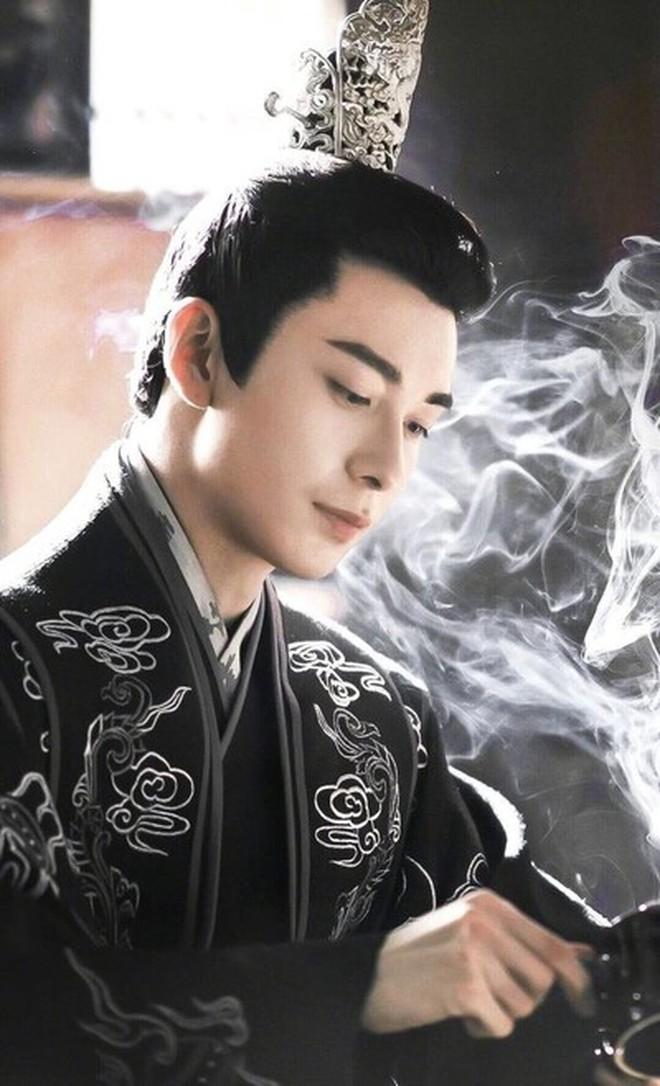 Netizen đồn nhau Trần Tinh Húc sắp đóng cùng Ngu Thư Hân, fan nguyên tác hồi hộp từ giờ là vừa - ảnh 1