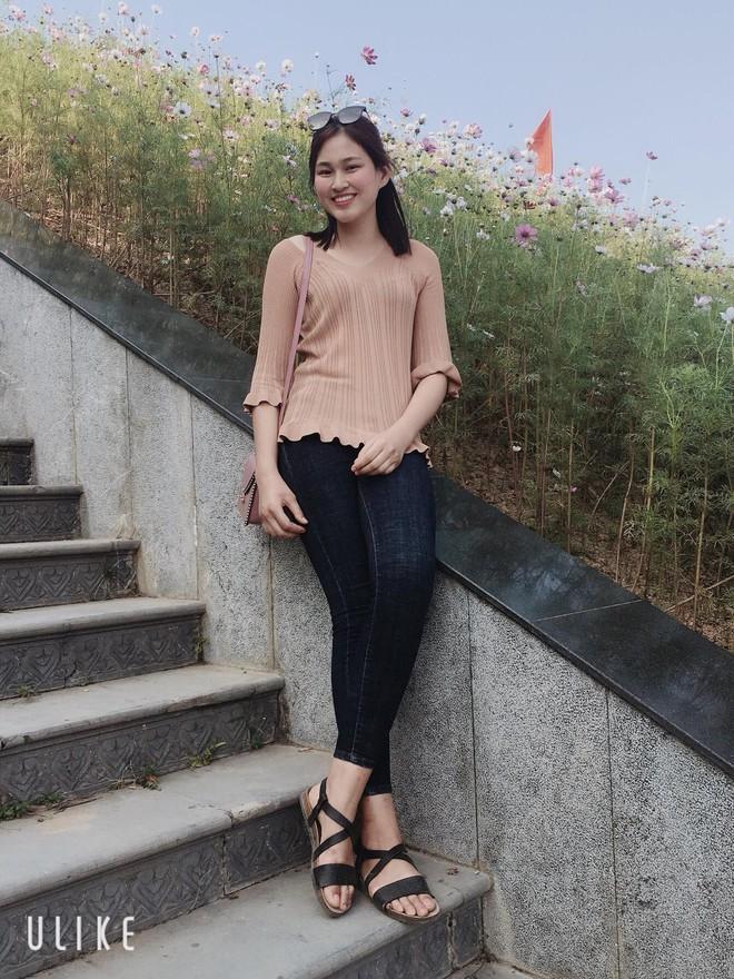 Tân Hoa hậu Đỗ Thị Hà còn có một chị gái, giản dị nhưng chiều cao và nụ cười xinh cũng không thua kém - ảnh 6