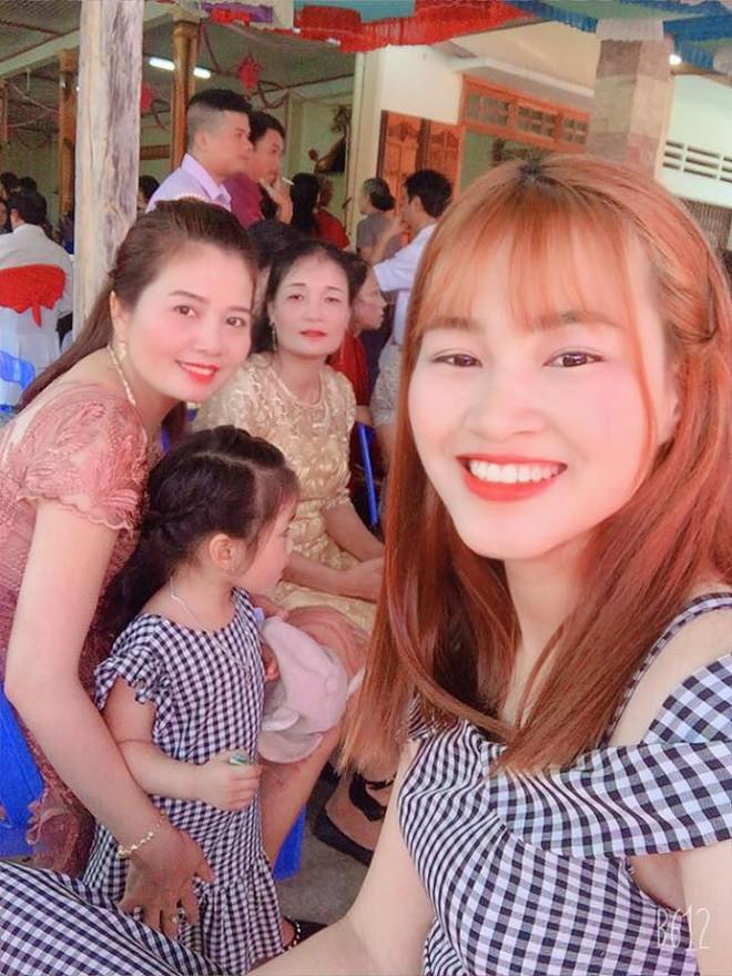 Tân Hoa hậu Đỗ Thị Hà còn có một chị gái, giản dị nhưng chiều cao và nụ cười xinh cũng không thua kém - ảnh 4