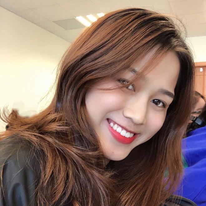 Hành trình nhan sắc thay đổi chóng mặt của Hoa hậu Đỗ Thị Hà từ cấp 1 cho đến lúc lên Đại học - Ảnh 12.