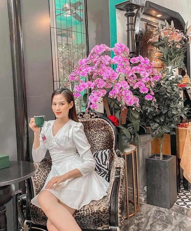 Style đời thường đối nhau chan chát của top 3 HHVN: Người thì sexy, người cá tính, riêng tân Hoa hậu giản dị đến xuề xòa vẫn đẹp mê - Ảnh 1.