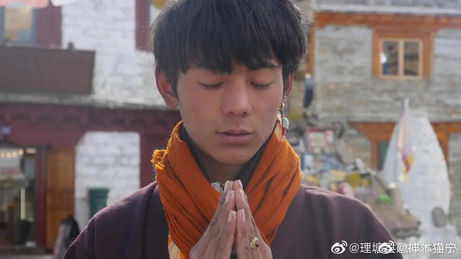 Hot boy Tây Tạng gây bão mạng xã hội... đã có Weibo và còn dùng cả iPhone 12 Pro - ảnh 5