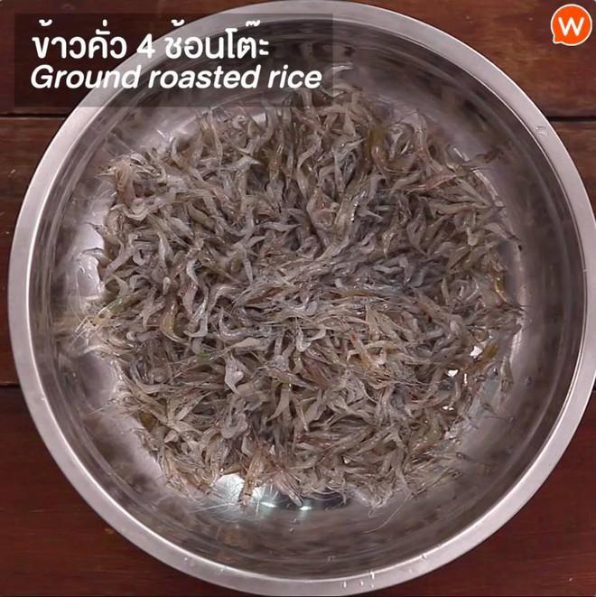 Cận cảnh món ăn sống còn nhảy tanh tách, nhìn vào ai cũng muốn bỏ chạy ở Thái Lan - Ảnh 4.