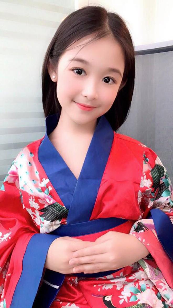 Tiểu mỹ nhân gây chú ý khi đọ sắc với loạt Hoa hậu, profile hoá ra cũng rất xịn sò - ảnh 7