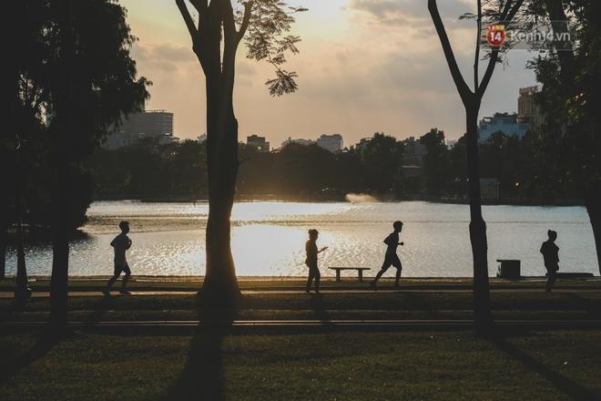 Hồ ở Hà Nội: Không chỉ là cảnh quan, đó còn là đời sống vật chất và tinh thần không thể thiếu của người dân Hà thành - Ảnh 28.