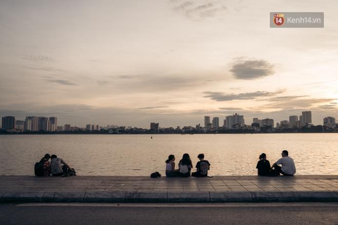 Hồ ở Hà Nội: Không chỉ là cảnh quan, đó còn là đời sống vật chất và tinh thần không thể thiếu của người dân Hà thành - Ảnh 15.