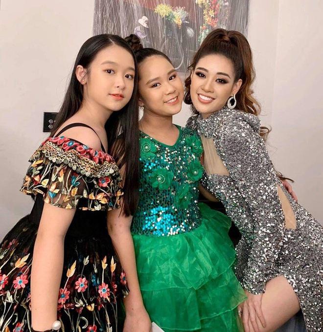 Tiểu mỹ nhân gây chú ý khi đọ sắc với loạt Hoa hậu, profile hoá ra cũng rất xịn sò - ảnh 10