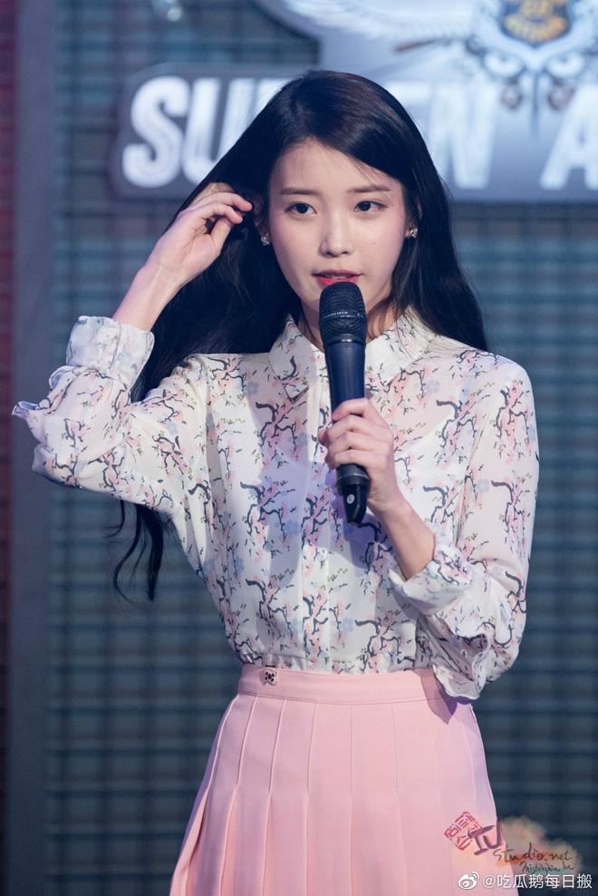 Nóng nhất Cbiz: Hoàng Tử Thao bất ngờ bày tỏ tình yêu với IU ngay khi livestream, Cnet rần rần tìm bằng chứng - ảnh 8