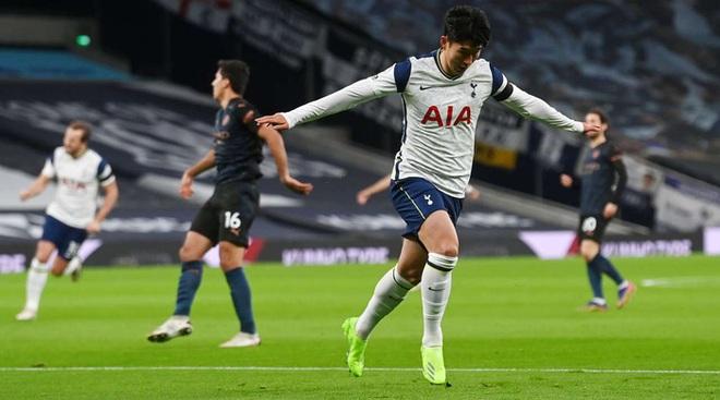Tottenham 2-0 Man City: Son Heung-min tỏa sáng đưa Gà trống lên ngôi đầu Ngoại hạng Anh - ảnh 1