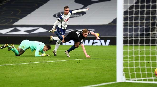 Tottenham 2-0 Man City: Son Heung-min tỏa sáng đưa Gà trống lên ngôi đầu Ngoại hạng Anh - ảnh 2