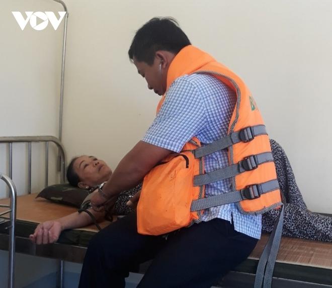 Cháy tàu trên biển Cù Lao Chàm, 18 hành khách và nhân viên thoát chết - ảnh 3