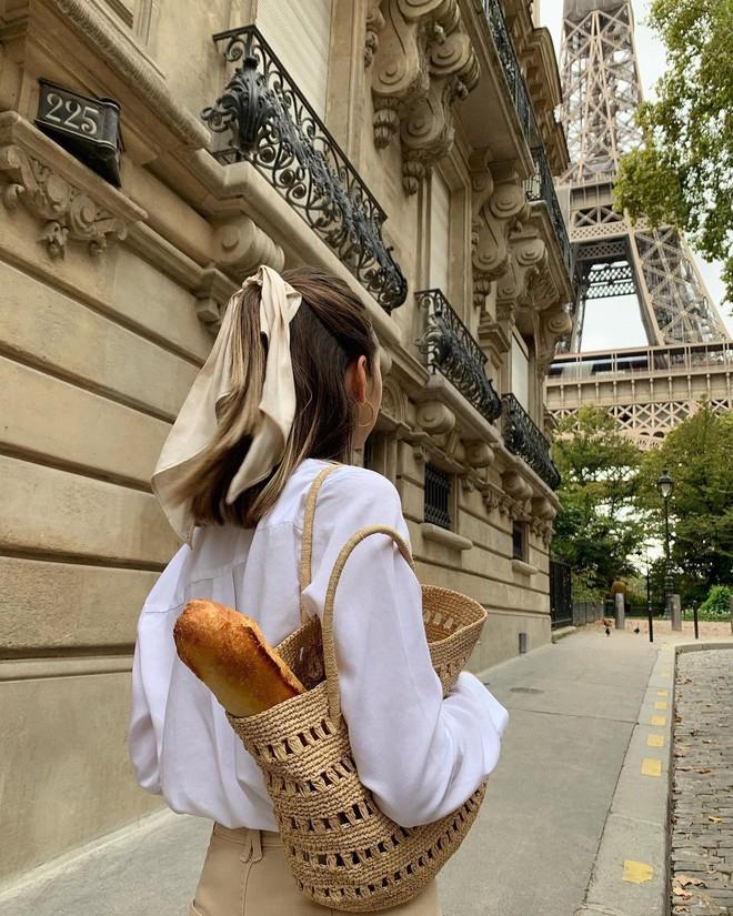 Gái Pháp tóc ngắn không suốt ngày xõa xượi mà có đến 6 cách tạo kiểu đẹp và sang ngây ngất - Ảnh 1.