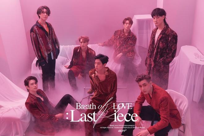 Tạm biệt JYP, khóc xong rồi làm lại poster cho GOT7 đi nhé: Đã sơ sài lại còn sai tiếng Anh cơ bản thế này? - ảnh 1