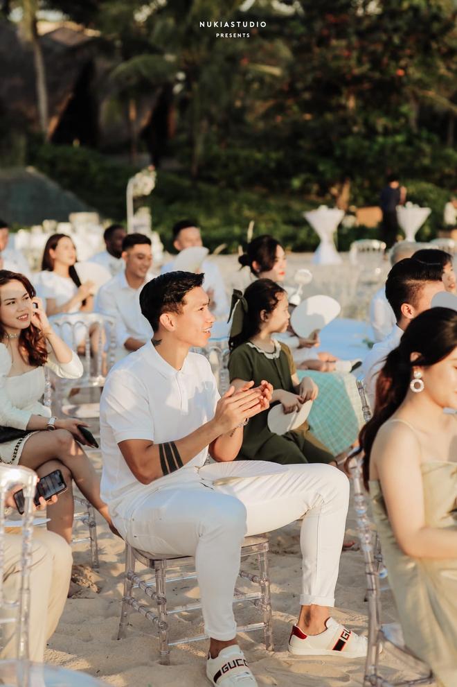 Họ nhà trai đồng loạt xả hình đám cưới Công Phượng: Hải Quế dặn dò vợ luôn đúng nha em - ảnh 7