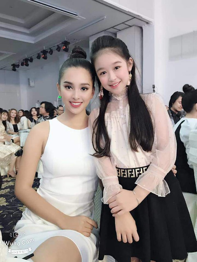 Tiểu mỹ nhân gây chú ý khi đọ sắc với loạt Hoa hậu, profile hoá ra cũng rất xịn sò - ảnh 12