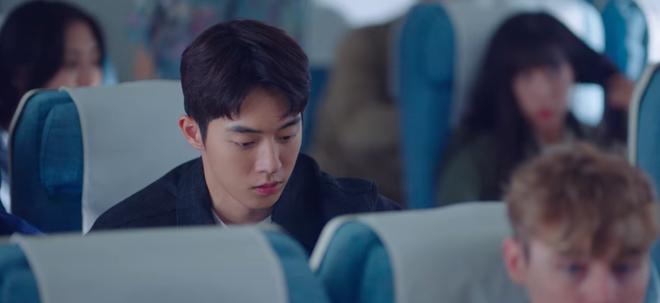 Bị ép rời xa Suzy, Nam Joo Hyuk đánh bầm mặt nam phụ quốc dân ở Start Up tập 12 - ảnh 11
