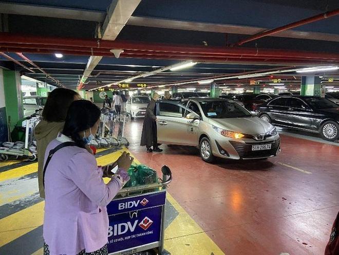 Cảm xúc khi đón taxi công nghệ về từ sân bay Tân Sơn Nhất và trải lòng của tài xế Grab - ảnh 2