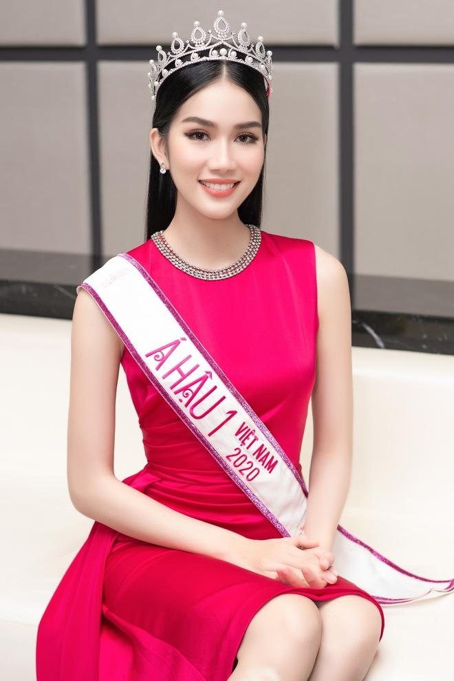 HOT: Á hậu 1 Phương Anh vừa đăng quang đã dẫn đầu BXH của fan sắc đẹp quốc tế, Giám đốc truyền thông Miss International khen tới tấp! - Ảnh 4.