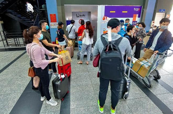 Cảm xúc khi đón taxi công nghệ về từ sân bay Tân Sơn Nhất và trải lòng của tài xế Grab - ảnh 5