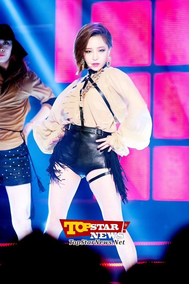 Hội em út kiêm main dancer của Kpop: BLACKPINK và 2NE1 trùng hợp bất ngờ, 1 nam idol là cỗ máy nhảy huyền thoại từ lúc 15 tuổi - Ảnh 17.