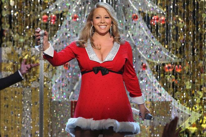 Dynamite của BTS thăng hạng bất ngờ trên Billboard Hot 100, nhưng chưa sửng sốt bằng sự trỗi dậy của Mariah Carey với bản hit Giáng Sinh - ảnh 1