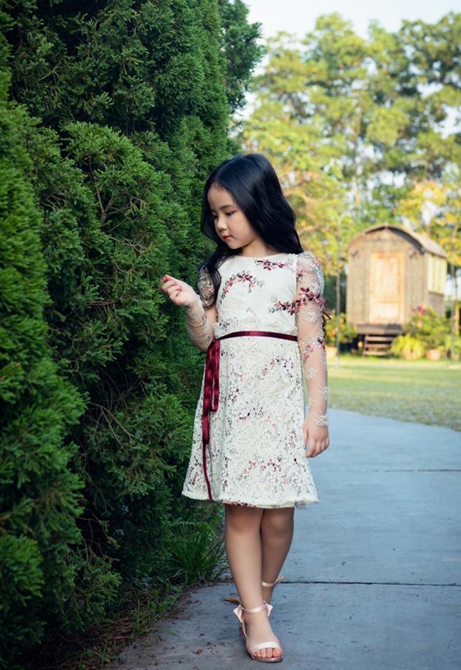 """Nhìn bộ ảnh nhà Trang Nhung là hiểu sức mạnh của """"gen trội"""": Nàng mẫu nóng bỏng, cháu gái từng thi Hoa hậu nổi bần bật - ảnh 6"""