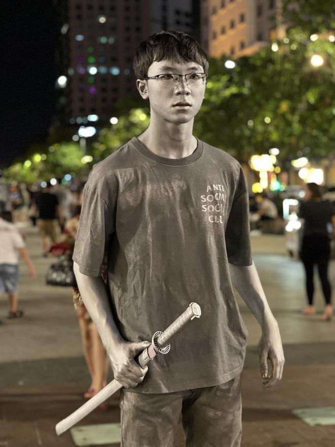 Ngắm Sài Gòn về đêm qua ống kính iPhone 12 Pro Max - ảnh 15