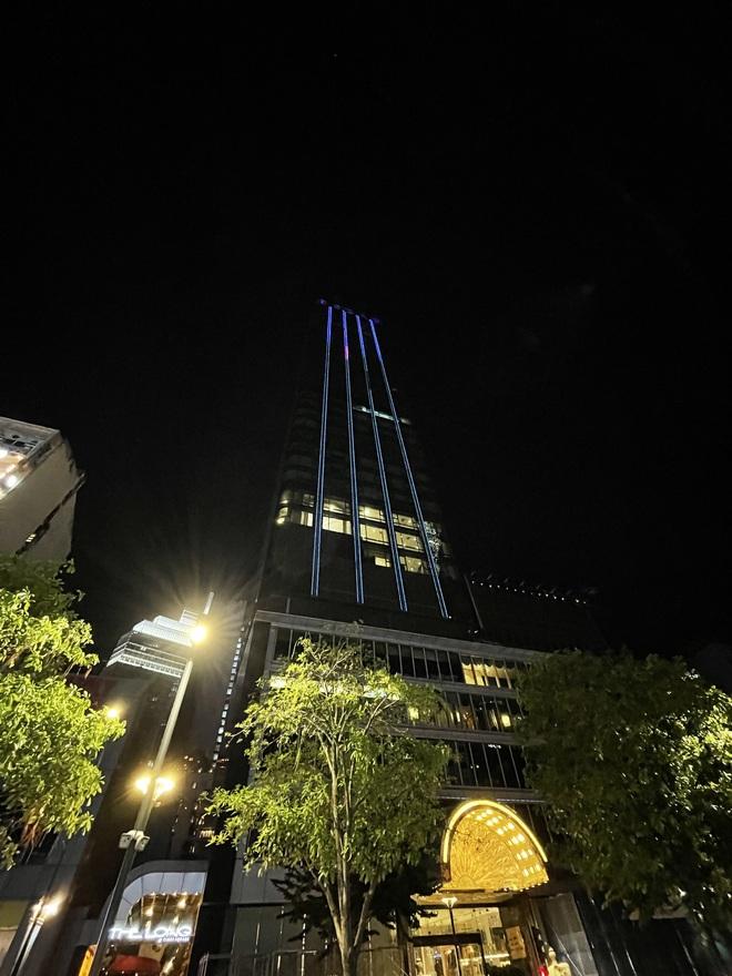 Ngắm Sài Gòn về đêm qua ống kính iPhone 12 Pro Max - ảnh 8