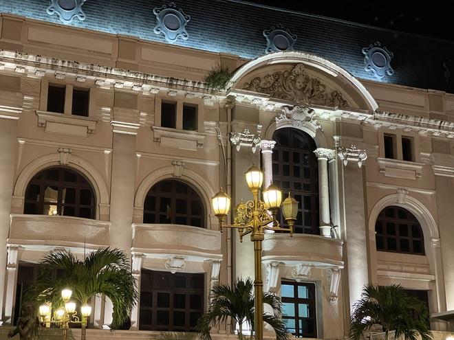 Ngắm Sài Gòn về đêm qua ống kính iPhone 12 Pro Max - ảnh 14