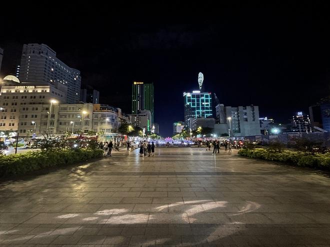 Ngắm Sài Gòn về đêm qua ống kính iPhone 12 Pro Max - ảnh 3