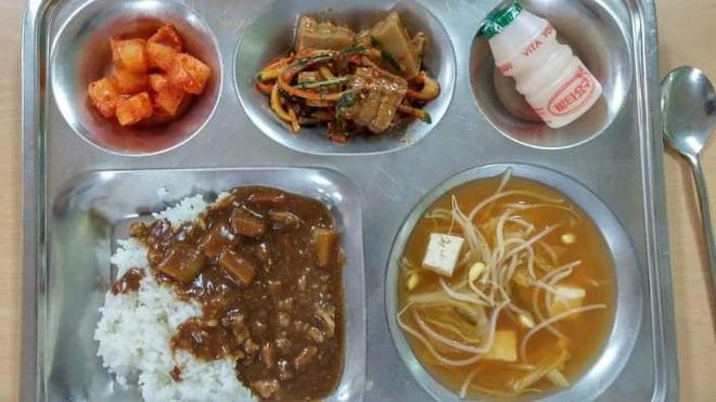 Những suất cơm canteen của học sinh Hàn Quốc: Giá thành rẻ, nhìn đơn giản nhưng chế độ dinh dưỡng hàng top thế giới - ảnh 5
