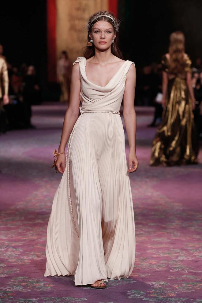 Tranh cãi giữa fandom Jisoo - Suzy: Cùng làm đại sứ thương hiệu của Dior, 5 lần 10 lượt đụng hàng nhưng ai mới là nàng thơ đích thực của hãng? - ảnh 13