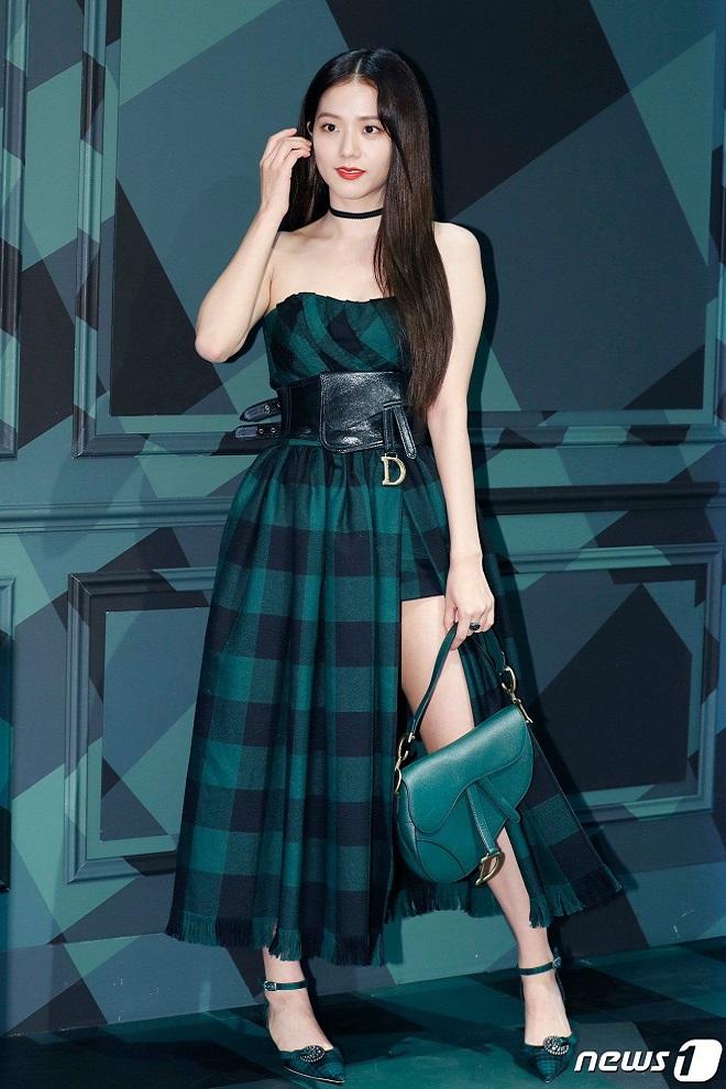 Tranh cãi giữa fandom Jisoo - Suzy: Cùng làm đại sứ thương hiệu của Dior, 5 lần 10 lượt đụng hàng nhưng ai mới là nàng thơ đích thực của hãng? - ảnh 10