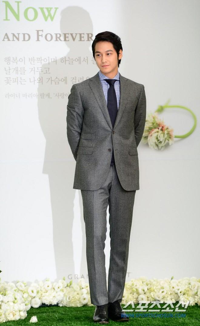 Mỹ nhân Vườn Sao Băng Lee Min Jung: Tiểu thư ngậm thìa vàng, vì yêu mà tha thứ cho chồng tài tử dính bê bối ngoại tình động trời - ảnh 11