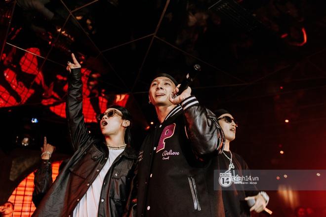 R.Tee trói thầy Binz khi trình diễn Bigcityboi trên sân khấu, nguyên team SpaceSpeakers quẩy hết mình trong show từ thiện tại TP.HCM - ảnh 16