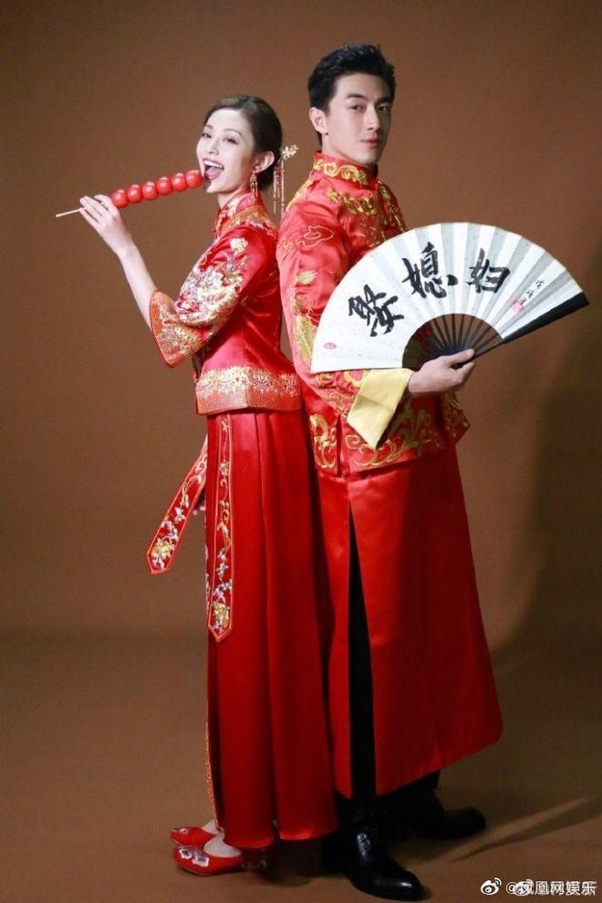 Cbiz thêm cặp đôi hot: Lâm Canh Tân bị tóm sống ôm chặt nữ đồng nghiệp, liên tục bày tỏ hành động mãnh liệt trên phố - ảnh 7