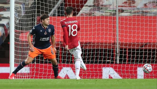 Bruno Fernandes lập cú đúp giúp MU thắng 4-1 ở Champions League - ảnh 3