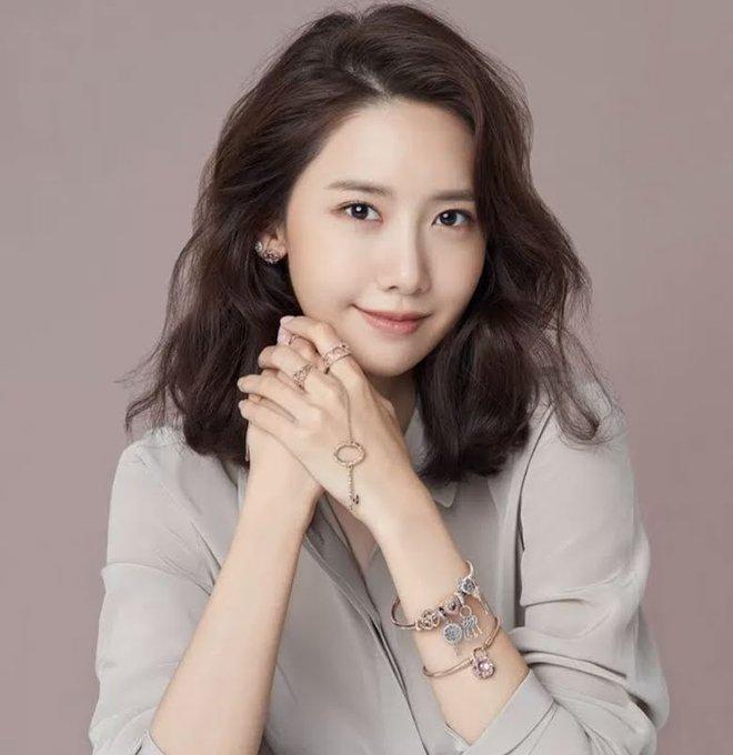 Khuyết điểm mắt không dìm nổi nhan sắc 6 idol này: V (BTS) đúng là gương mặt đẹp nhất thế giới, Yoona nổi là có lý do! - Ảnh 5.