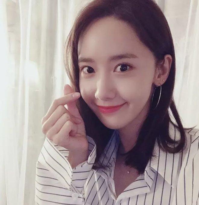 Khuyết điểm mắt không dìm nổi nhan sắc 6 idol này: V (BTS) đúng là gương mặt đẹp nhất thế giới, Yoona nổi là có lý do! - Ảnh 6.