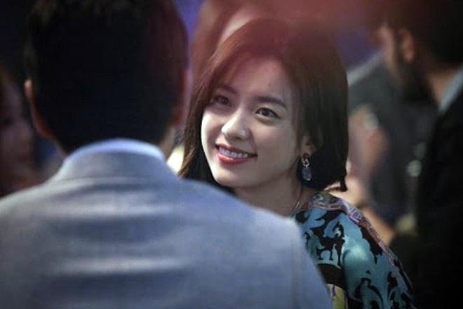 Dàn tuyệt sắc mỹ nhân Kbiz ngoài đời: Han Ga In, Jeon Ji Hyun cũng phải chịu thua chị đại vạn người... sợ Kim Hye Soo! - ảnh 9