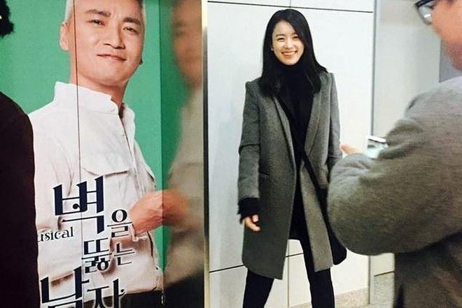 Dàn tuyệt sắc mỹ nhân Kbiz ngoài đời: Han Ga In, Jeon Ji Hyun cũng phải chịu thua chị đại vạn người... sợ Kim Hye Soo! - ảnh 11
