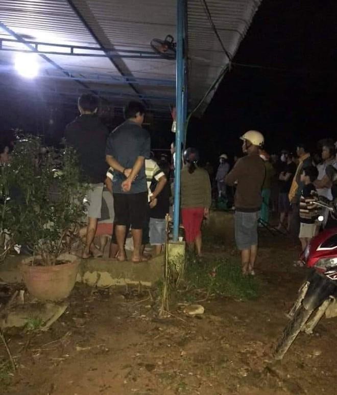 NÓNG: Đang ngồi trong nhà, người đàn ông bị 1 đối tượng cầm súng xông vào bắn tử vong - ảnh 2