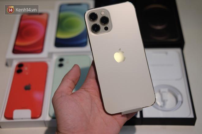 Nóng: Cận cảnh kho hàng iPhone 12 chính hãng khổng lồ trước giờ G mở bán - ảnh 12