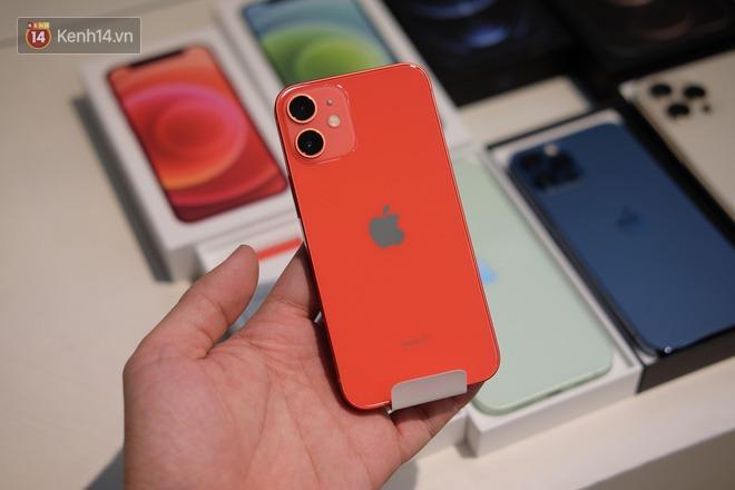 Nóng: Cận cảnh kho hàng iPhone 12 chính hãng khổng lồ trước giờ G mở bán - ảnh 13