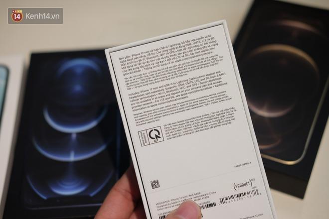 Nóng: Cận cảnh kho hàng iPhone 12 chính hãng khổng lồ trước giờ G mở bán - ảnh 10
