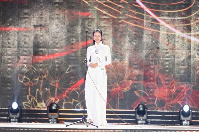 Bán kết Hoa khôi Du lịch Việt Nam 2020: Khánh Ngân đầy gợi cảm, Top 30 trình diễn ấn tượng trang phục dân tộc lạ mắt - Ảnh 6.